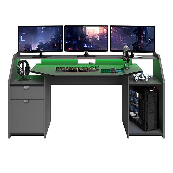 gamingbord-for-3-skjermer